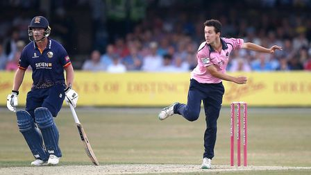 Nathan Sowter in bowling action for Middlesex (pic Gavin Ellis/TGS Photo)