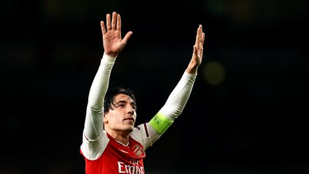 Arsenal's Hector Bellerin acknowledges the fans after the UEFA Europa League Group F match at the Em