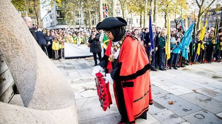 Mayor Cllr Rakhia Ismail lays a wreath at the service. Picture: Em Fitzgerald