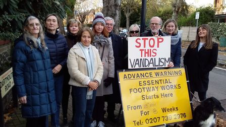 Neighbours against the uprooting of paving stones for asphalt on Dartmouth Road