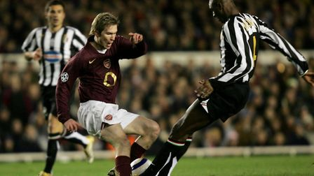 Arsenal's Alexander Hleb is challenged for the ball by Juventus' Patrick Vieira (R) during the UEFA