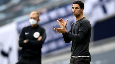 Arsenal's manager Mikel Arteta shouts instructions on the touchline