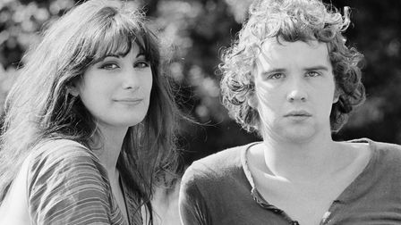 English singer-songwriters and guitarists John Martyn (1948 - 2009) and his wife Beverley, 1970. The
