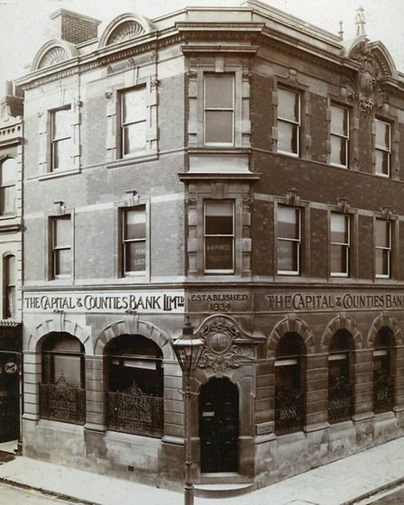Capital & Counties branch in High Street, 1918.