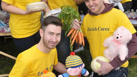 Kat, Hannah, Laura, James and Judah from Zurich Cares
