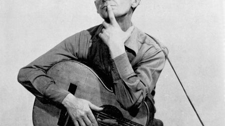 American singer-songwriter Woody Guthrie . Photo: Michael Ochs Archives/Getty Images.
