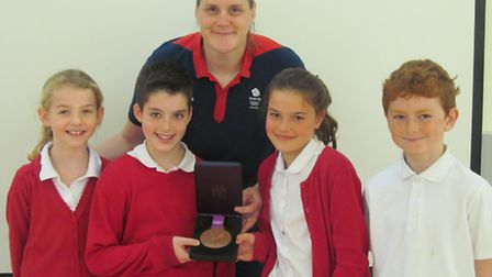 Yeo Moor Primary School pupils Stephani Hamer, Adam Skelton, Chelsea Sharrod & Thomas Taylor with Ka