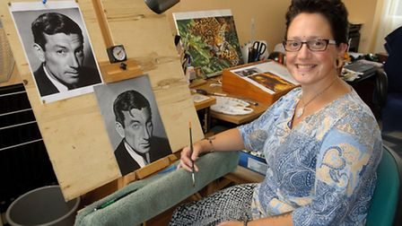 Samantha Dean, is starting her own fine art painting company.