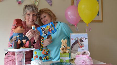 Jane Smith and Fran Hunt who have teamed up to start cupcake decorating parties.