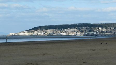 Uphill Slipway Beach on the outskirts of Weston-super-Mare © Sarah Charlesworth, Geograph