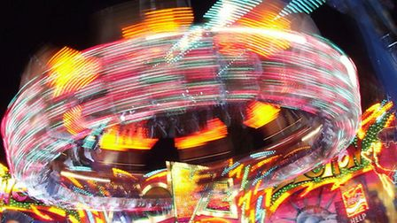 (Fairground Ride Lights by Lantresman licensed under CC BY 3.0)