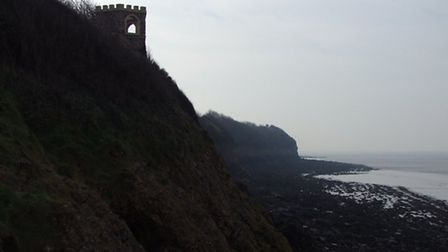 Sugar Lookout Tower, Poet's Walk, Clevedon. (Poet's Walk lookout tower by Mathew Taylor under CC BY-