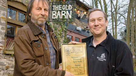 Richard Harman from the Campaign for Real Ale presenting the award to Keith Hayles from the Twisted
