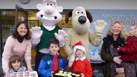 Wallace and Gromit met members of Birdwell Primary School and Early Birds Nursery.
