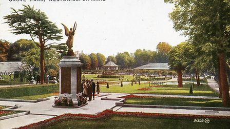The Grove Park war memorial shortly after it was unveiled in the 1920s, still complete with its oliv