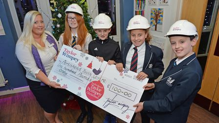 A cheque for 100 was handed to Portishead Youth Centre. Picture: Andrew Carpenter.