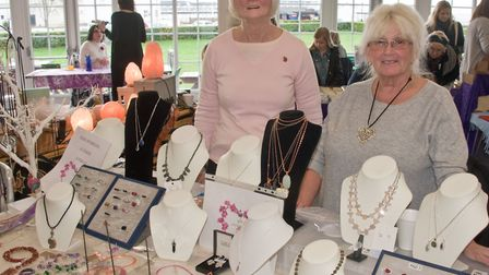 A Winter Festival of Love and Light. Andrea Hills (Andy's Crafty Moments)designs jewellery with beau