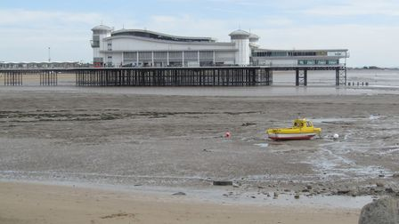 Weston Grand Pier on an almost clear day.