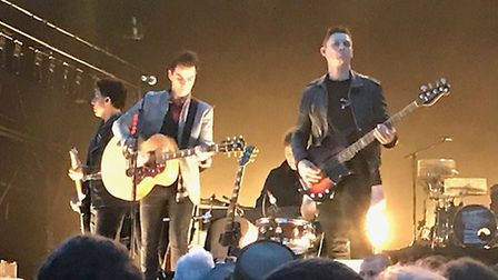 Kelly Jones et al gave it their all and the crowd loved every moment.