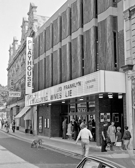 Reopened Playhouse theatre - production of 'Let sleeping Wives Lie'. 08-07-1969Picture: WESTON MERC