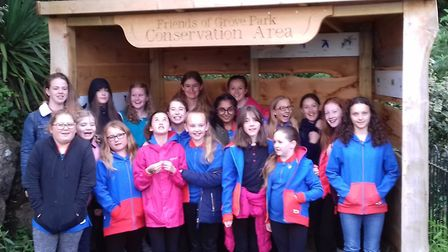 Girl guides and ranger visit friends of grove park - Tara Potter