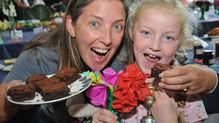 Melissa and her mum Claire Sunshine with their brownies and paper flowers.