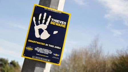 Avon and Somerset police are giving out 500 SmartWater home security packs to people in Worle.