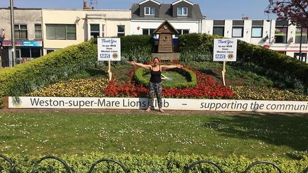 Weston Lions club has decorated floral clock in the town centre to thank NHS workers.