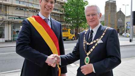 Norht Somerset councillor John Crockford-Hawley welcomes Hildesheim's Lord Mayor Ingo Meyer to the t