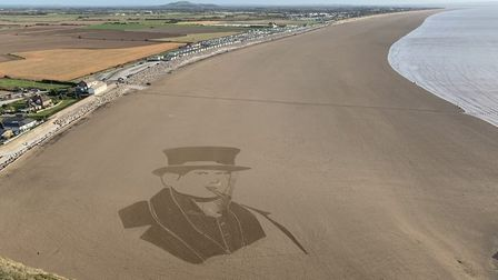 Supporting #SaveSanditon, Simon Beck's sand art of Sydney at Brean Cove