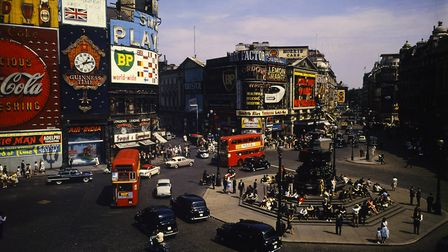London's Piccadilly Circus, 1961. Photo: Bettmann Archive