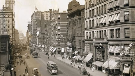Carriages and Trolleys Along Broadway (Photo by �� Schenectady Museum; Hall of Electrical History Fo