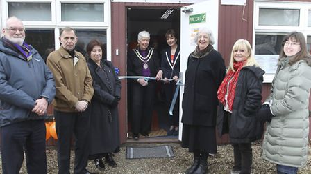 Mayor Lindsay Davidson opens the new volunteer centre office in Royston, with Denise Graham, Volunte