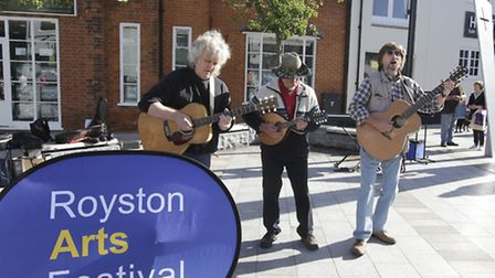 Buskers perform at the arts festival