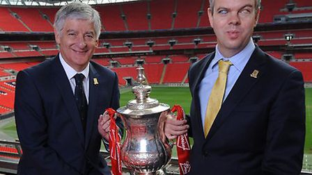 David Clarke with FA chairman David Bernstein at Wembley ahead of the final between Manchester City