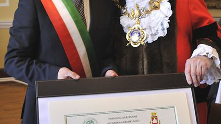 Huntingdon Twinning ceremony with Italian town Gubbio, Mayors (l-r) Diego Guerrini, and Colin Hyams