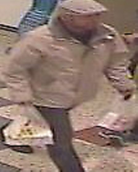 Police want to trace this man with a distraction burglary