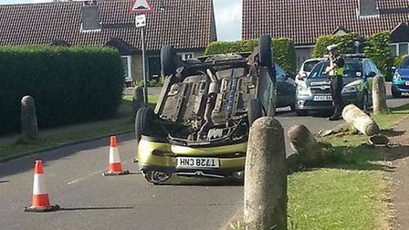Car flips on to its roof in Nelson Road, Eaton Socon