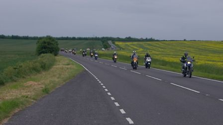 Motorcycles-on-the-A603-for-Ri