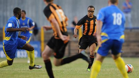 Edgar Davids made a second half appearance in Barnet's 3-1 win over St Albans City on Tuesday night.
