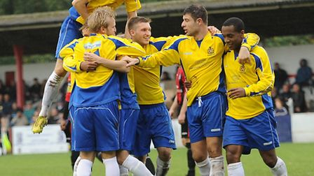 St Albans City celebrate David Keenleyside's goal. Picture by Bob Walkley