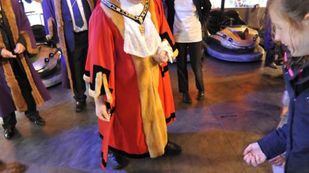 Michealmas Fair Opens in St Ives, Mayor Nick Dibben hands out coins