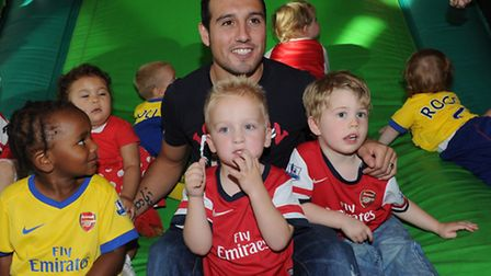 Arsenals youngest Junior Gunners, including toddlers from London Colney and St Albans, met Santi Caz