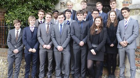 Students with Oxbridge offers