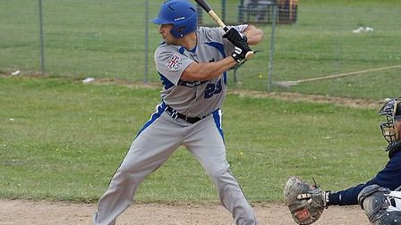 Abel Salas has signed for Herts Falcons.