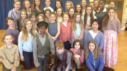 Cast of Annie