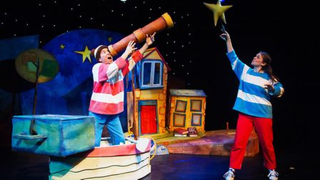 The Blunderbus Theatre Company try to catch a star.