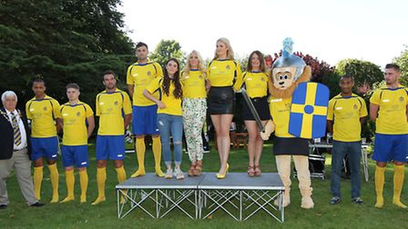 Mayor of St Albans Cllr Geoff Harrison with St Albans City mascot Sammy the Lion first team players