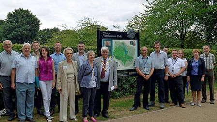Launching the welcome and information boards: Cllr Geoff Harrison, the Mayor of St Albans City and D