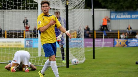 Sean Shields became the latest player to join St Albans City after signing a two-month loan deal. Pi